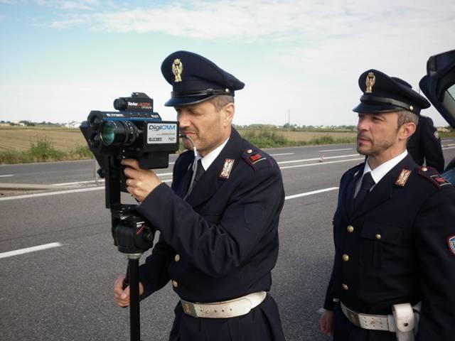 Polizia stradale - autovelox (foto di repertorio)