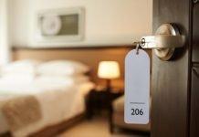 Camera d'albergo (foto di repertorio Shutterstock.com)
