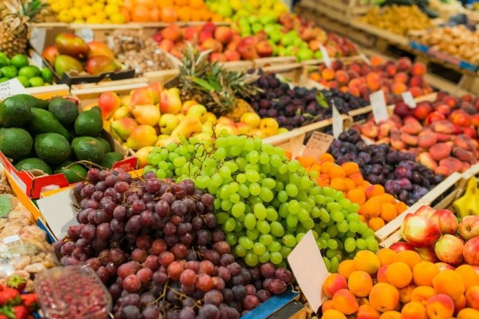 Frutta (foto di repertorio Shutterstock.com)