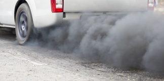Tubo di scarico dell'auto (foto di repertorio Shtterstock.com)