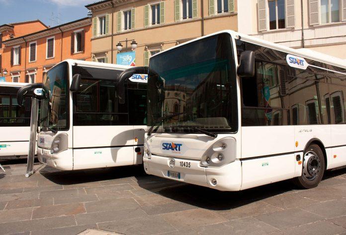 Autobus (foto di reprtorio)