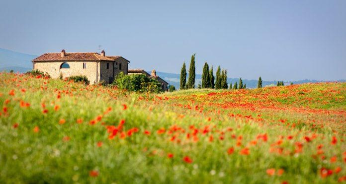 Agriturismo (foto di repertorio Shutterstock.com)