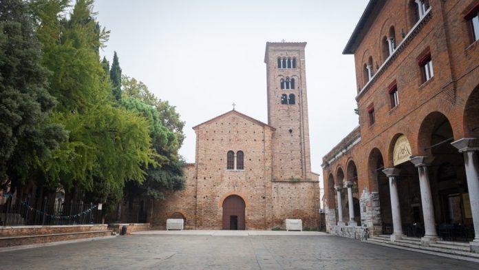 Piazza e basilica San Francesco (foto di repertorio)