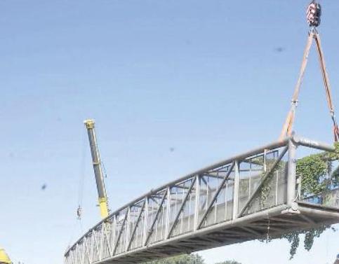 Ex passerella ciclopedonale sul cavalcavia ferroviario