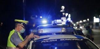 Controlli Polizia locale mascherina (foto di repertorio)