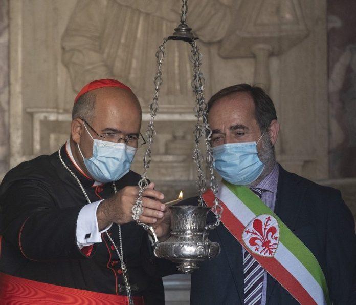 Offerta dell'olio nella tomba di Dante