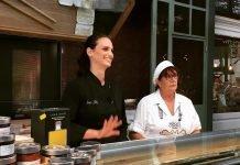 Nadia Ellis al Mercato Coperto (foto dalla pagina Facebook The Vegan Italian Chef)