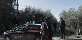I carabinieri sul luogo dell'aggressione