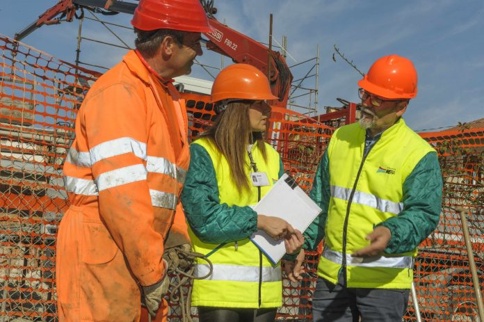 Cantiere acqua - Operatori Hera al lavoro