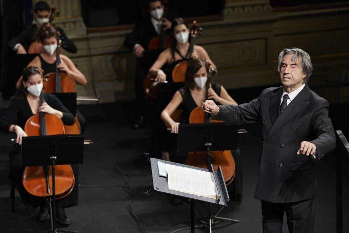 Il Maestro Riccardo Muti e l'Orchestra Cherubini (Foto Zani-Casadio)