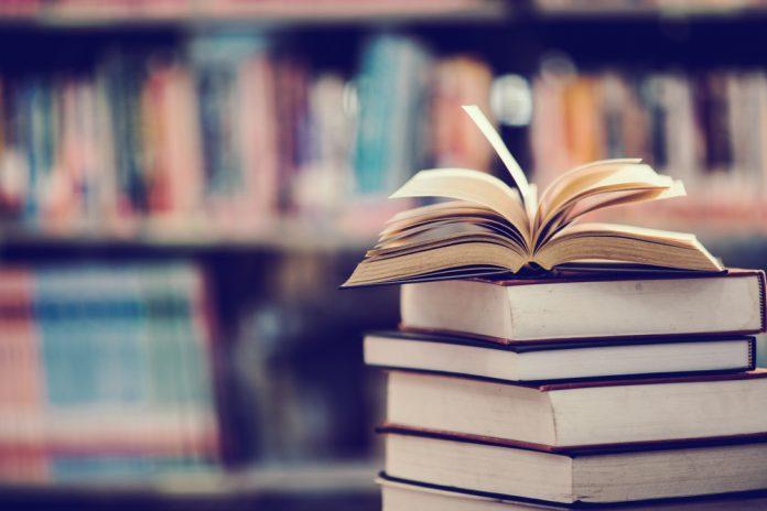 Libri (foto di repertorio shutterstock)