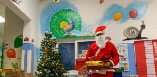 Il Babbo Natale di Cuore e Territorio Marcello Iervolino in pediatria al Santa Maria delle Croci