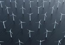 Le pale di un parco eolico (foto di repertorio shutterstock)