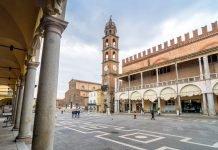 Piazza del Popolo Faenza (foto di repertorio Eddy Galeotti / Shutterstock.com)