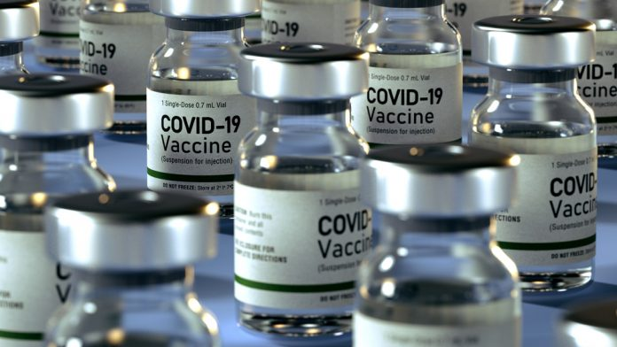 Vaccino Covid (foto di repertorio Shutterstock.com)