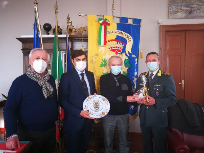 Da sinistra: il vicesindaco Gabriele Armuzzi, il Luogotenente Orlando Aprea, il Sindaco Massimo Medri, il Comandante Luogotenente Pietro Castellana.