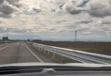 Nuove barriere stradali installate lungo la SP 610R Selice nel tratto compreso tra SP 253R San Vitale e la SC Via Merlo.