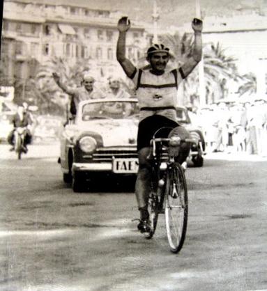 Angelo Miserocchi vince nel 1956 la Milano - Rapallo.