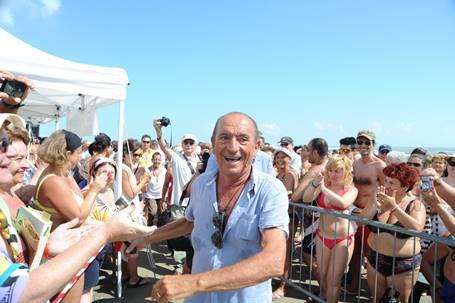 """Raoul Casadei alla manifestazione """"Cervia, la spiaggia ama il libro"""""""