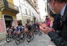 Foto di repertorio, il passaggio del Giro d'Italia a Faenza a maggio